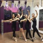 Aula de Ballet com maravilhoso por-do-sol